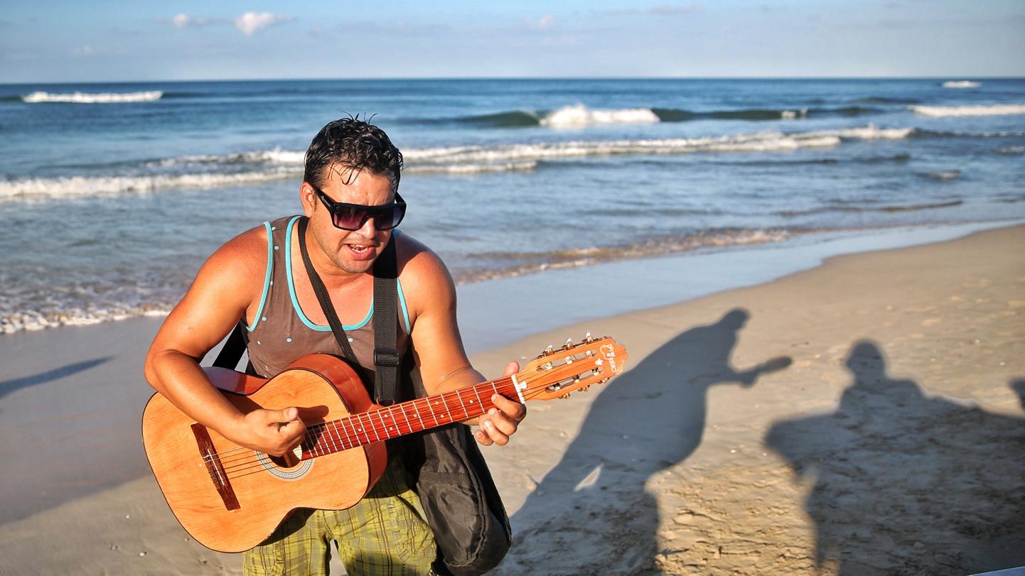 Musisians at Playa del Este/ Havana