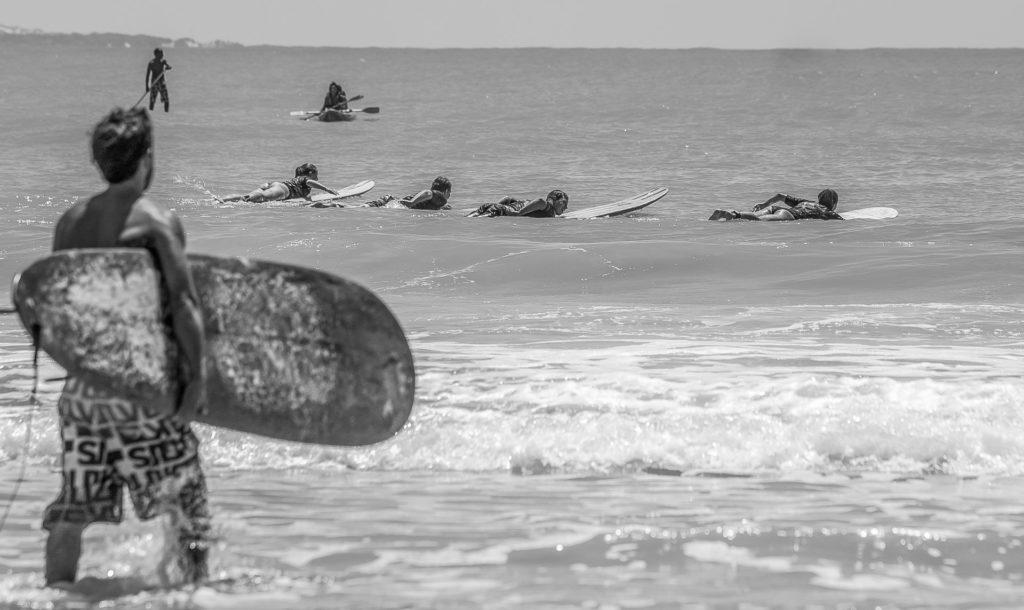 SurfingPipa-19