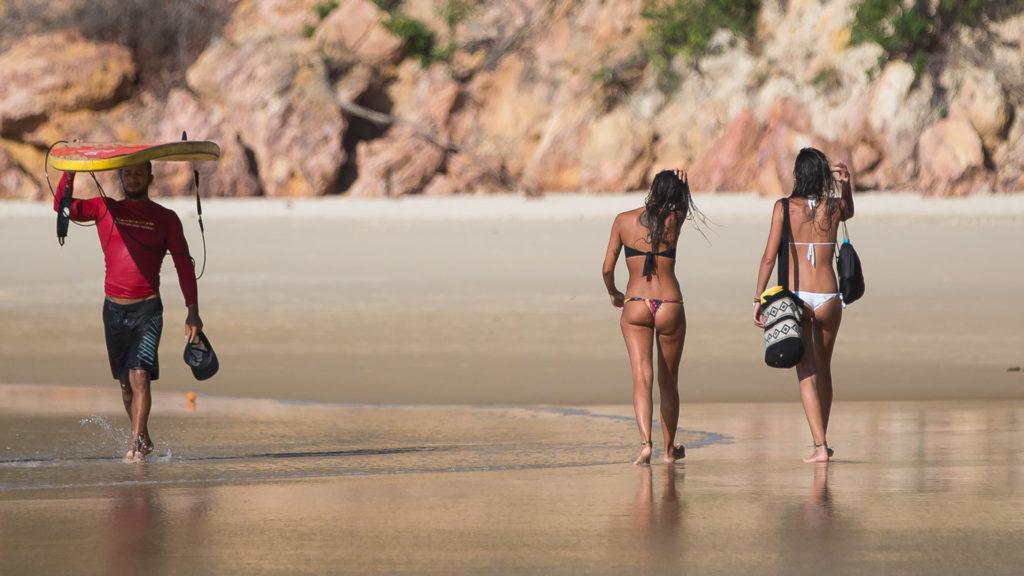 SurfingPipa-2