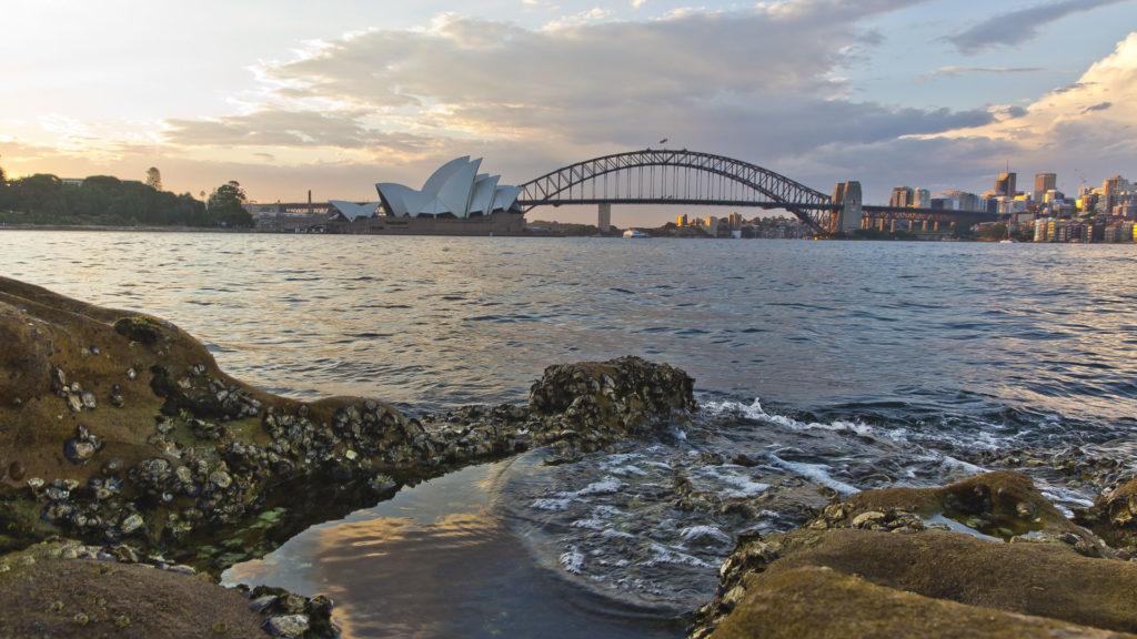 SydneyOperaHouse_Australia_Milesaway