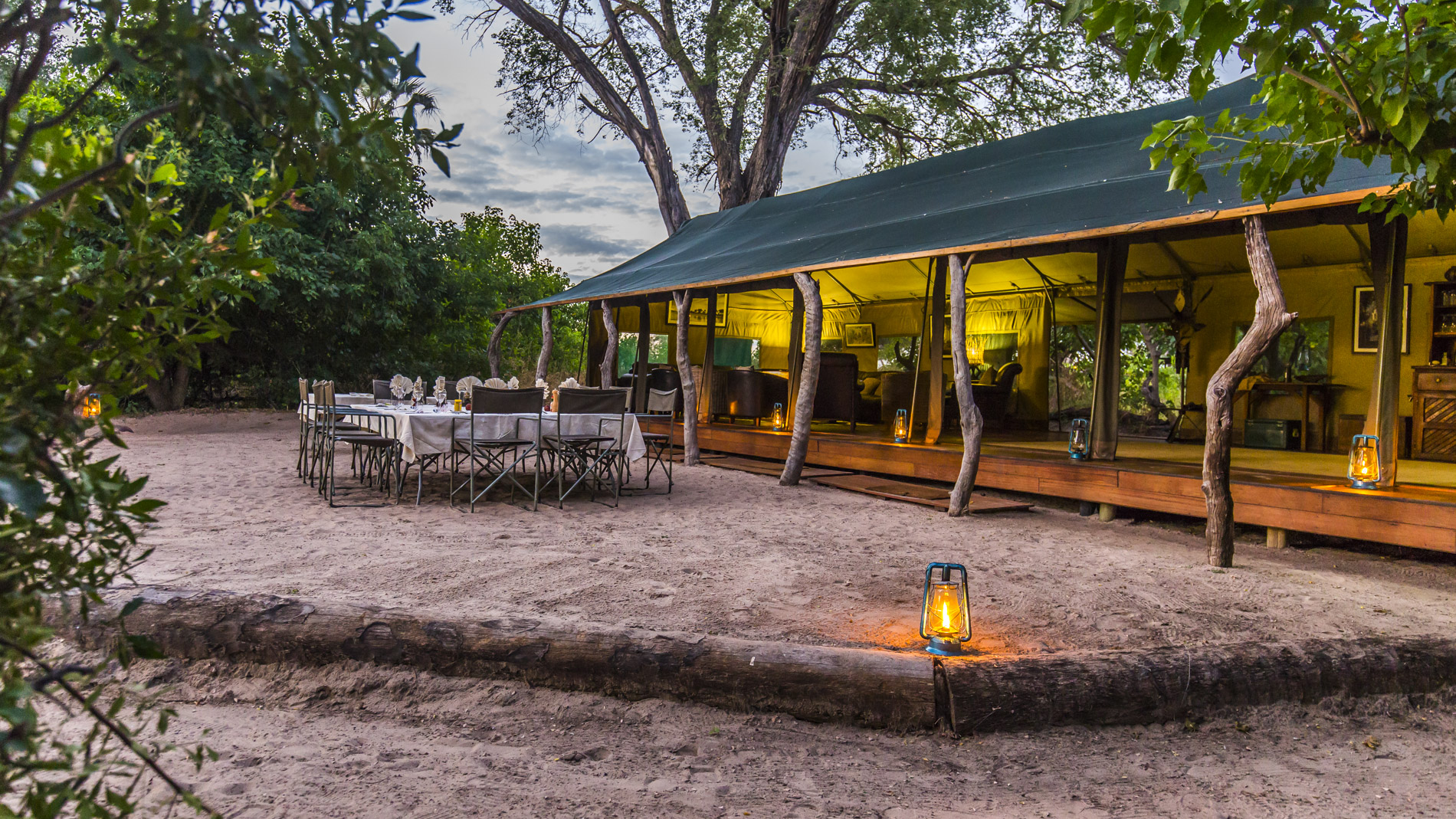 Namiot - jadalnia Macatoo Camp Okavango