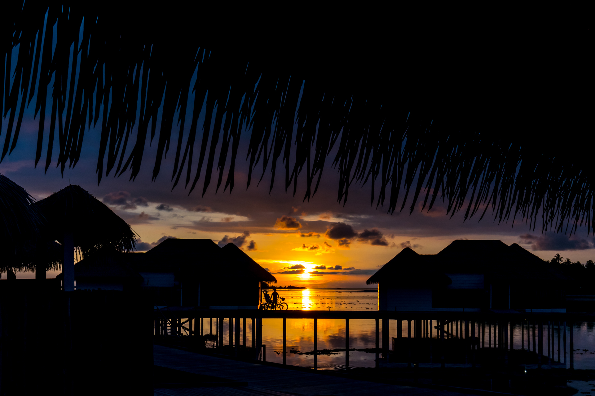 Como Maalifushi Sunset from Water Suite