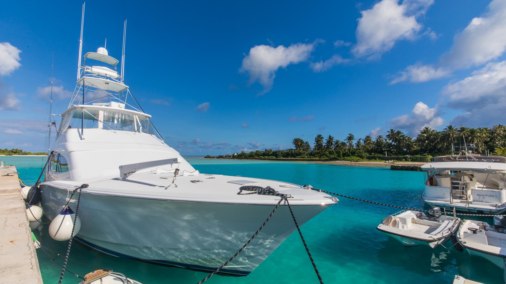 Como Maalifushi - Cameron yacht