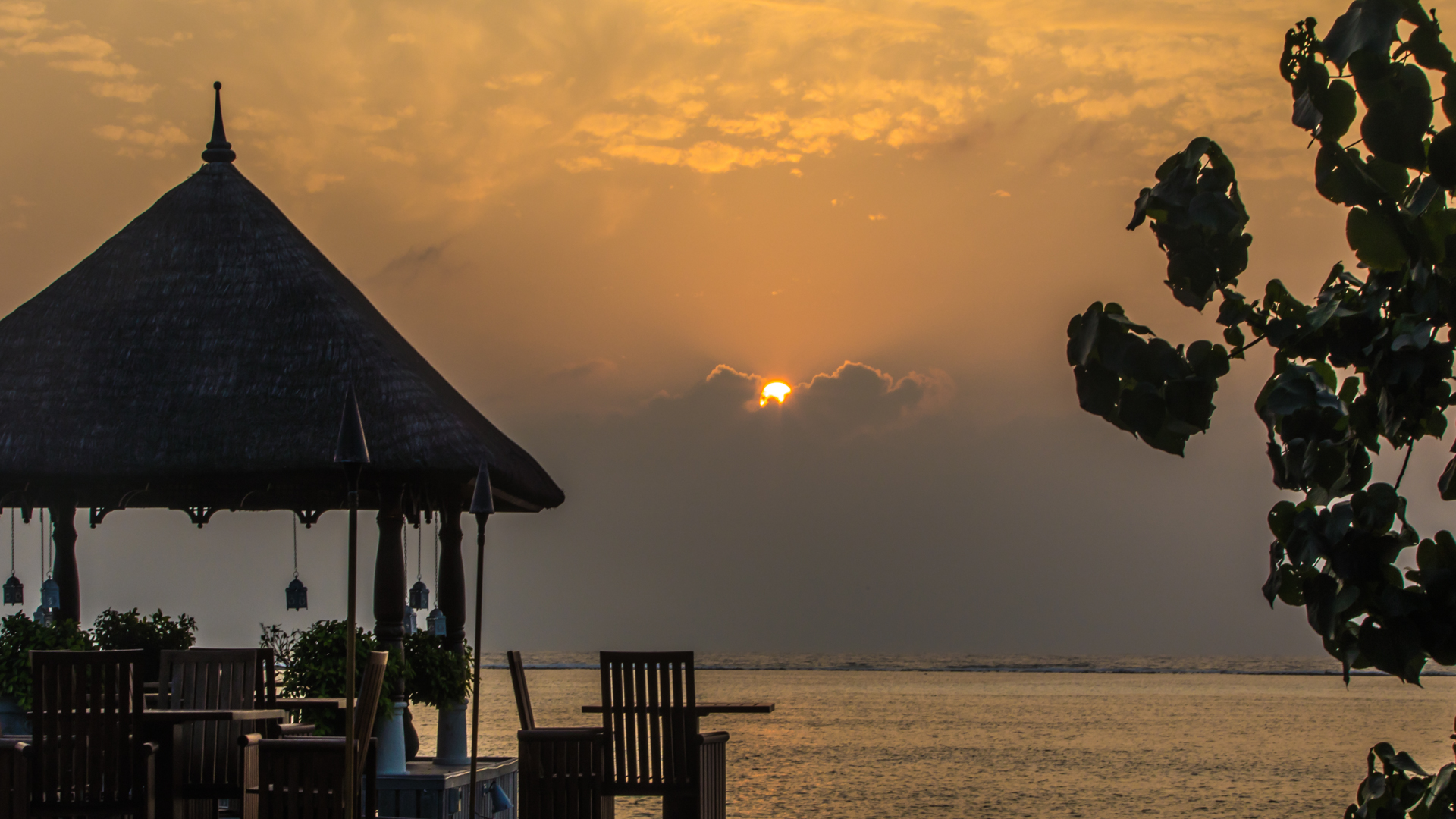 Four Seasons Kuda Huraa Sunrise