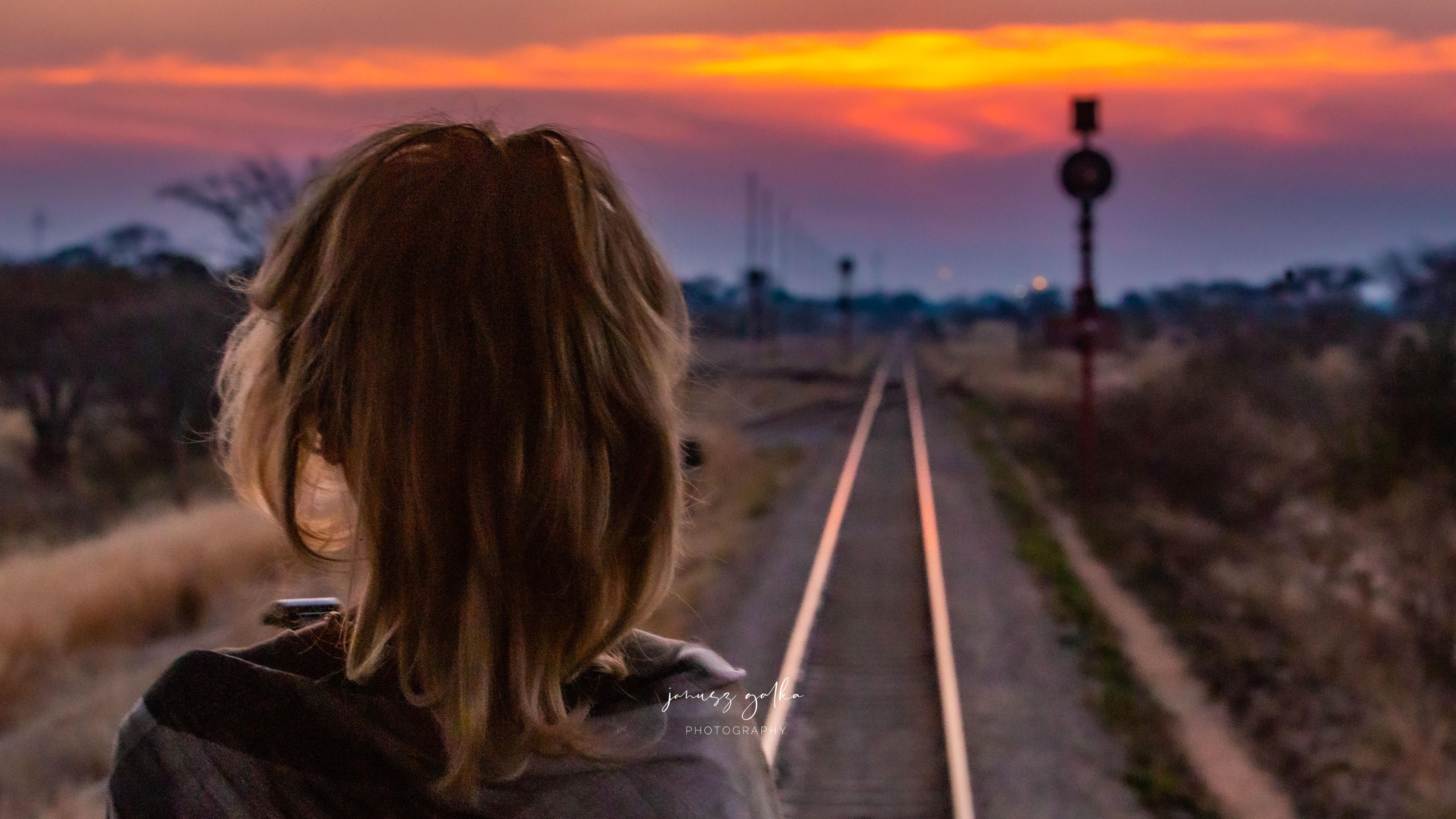 Zachód słońca z Observation Deck Rovos Rail