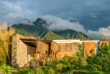 Singita Kwitonda z widokiem na wulkany