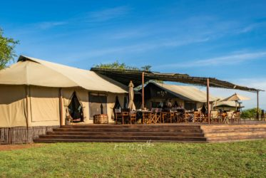 Sabora Tented Camp living room ...